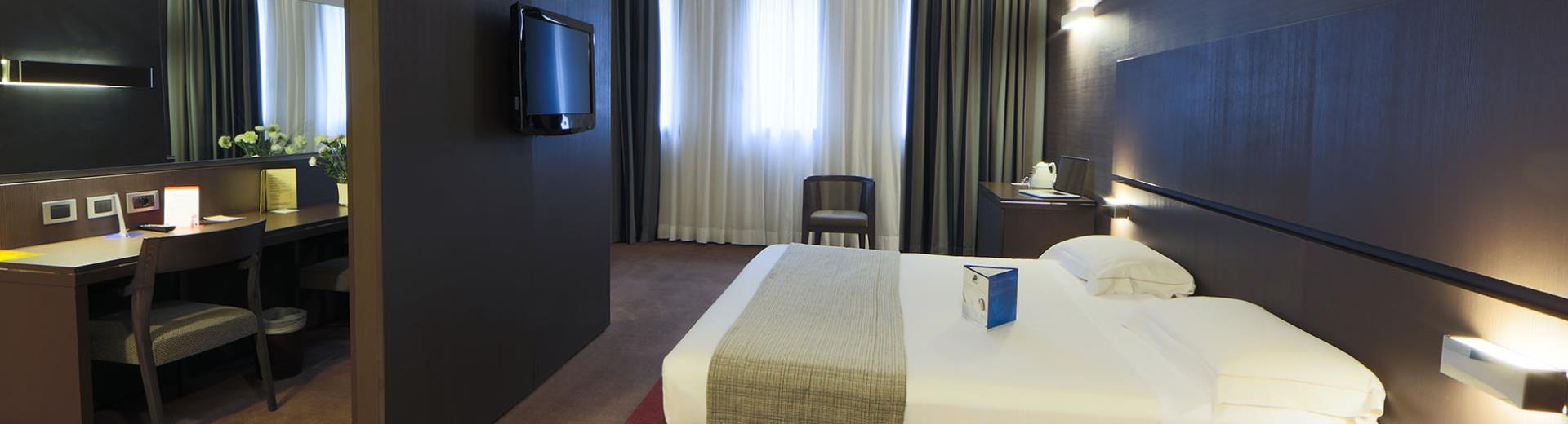 Discover the roomtypes of our 4 star hotel near Milan with every comfort for your business and leisure stay!